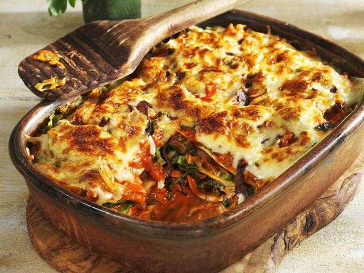 Grünkohl-Lasagne   Kalorien: 224 Kcal - Zeit: 40 Min.   http://eatsmarter.de/rezepte/gruenkohl-lasagne