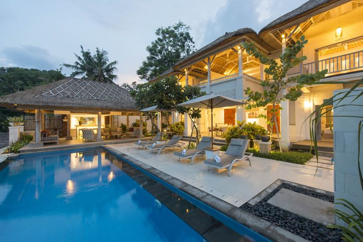 Villa Coral | 4 bedrooms | Nusa Lembongan, Bali #swimmingpool #villa #bali #nusalembongan #exterior