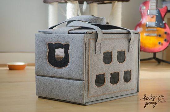 Hooby Groovy cat carrier