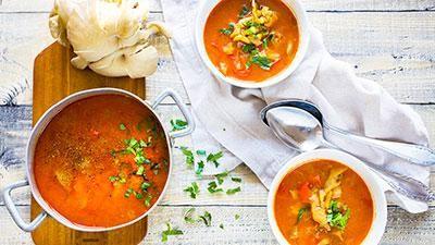 Polévka z hlívy ústřičné: Zdravá a pikantní varianta oblíbenédršťkovky