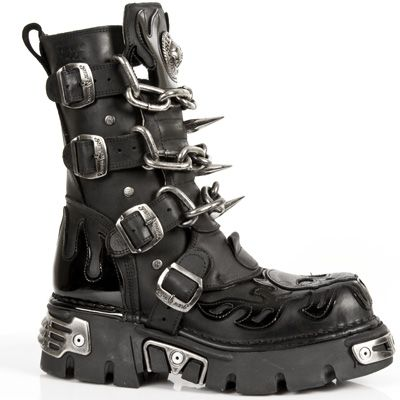 New Rock Boots - 727 - Black Boot w/ Skull & Chains & Spikes [M727] - £125.99 : Gothic Clothing, Gothic Boots & Gothic Jewellery. New Rock Boots, goth clothing & goth jewellery. Goth boots and alternative clothing