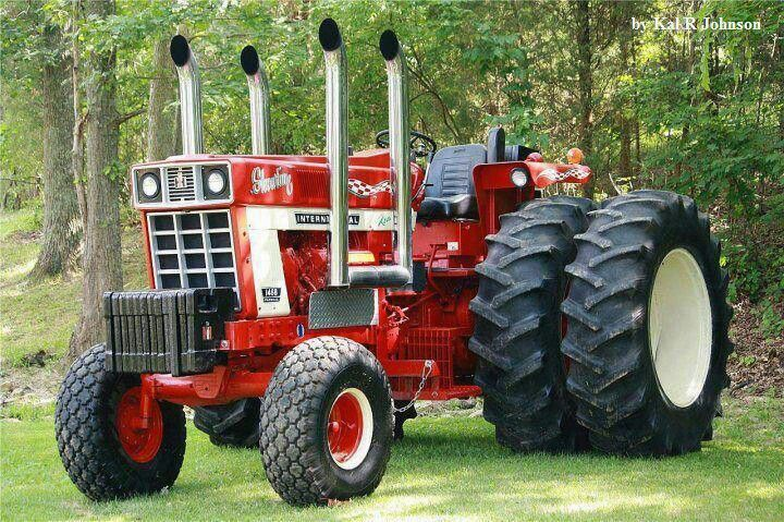 IH 1468 WITH 4 Stacks