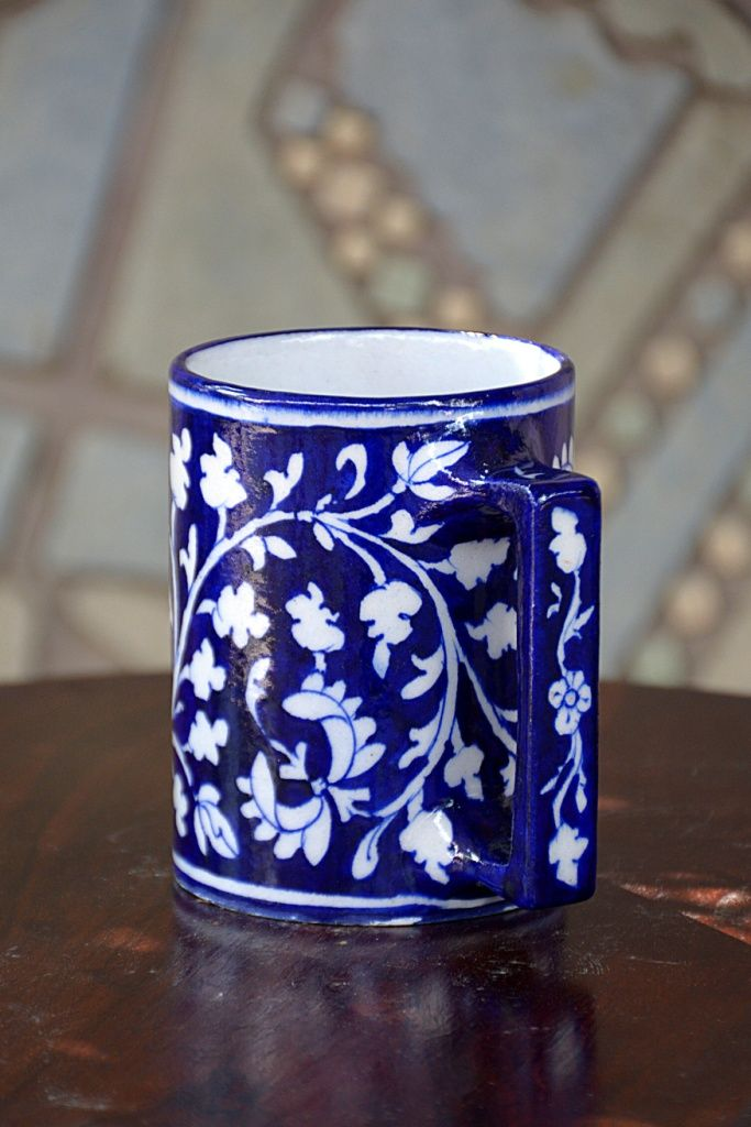 This Floral Design Mug Is Made By Our Skilled Artists This Will Enhance The Beauty Of Your Tea Set And Your House Now Have Your Cof Blue Pottery Mugs Pottery