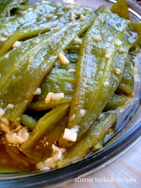 Green Peppers in Vinegar and Garlic Sauce (Sirkeli Biber)