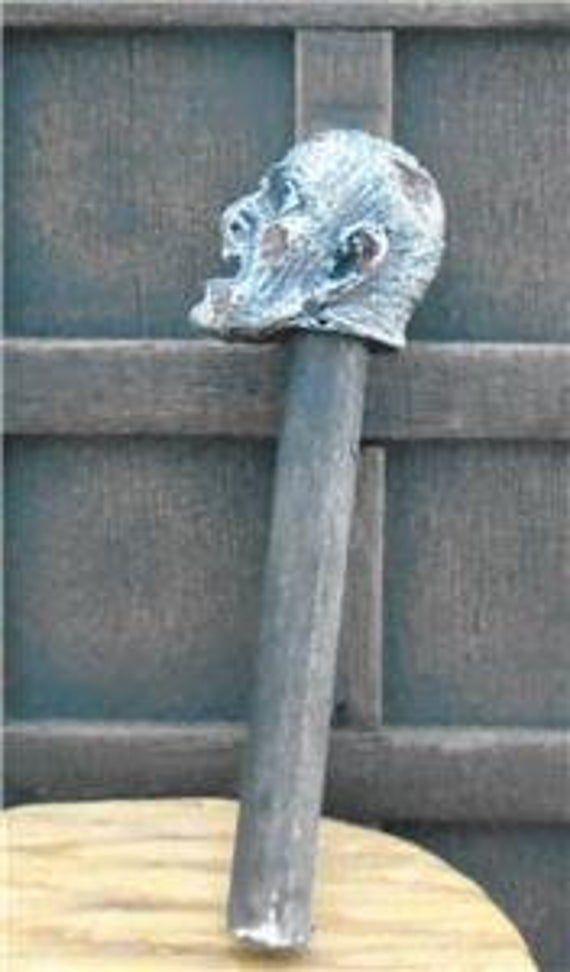 Halloween 2020 Severed Head SEVERED HEAD on pole Tudor medieval 12th scale doll house castle