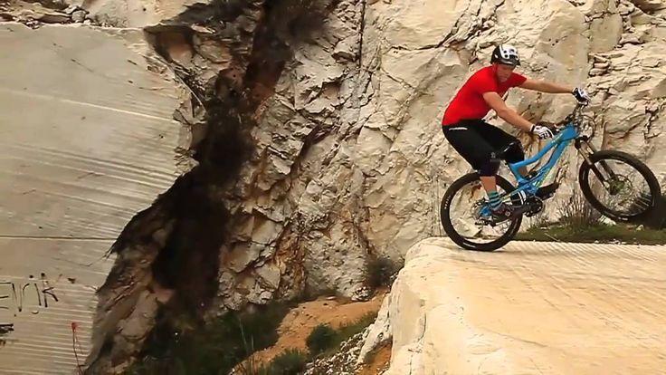 Chris Akrigg A Hill in Spain MTB Downhill720p H 264 AAC