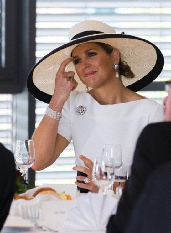Queen Maxima listen to a lecture during a visit to the Maritime Competence Centre (MARIKO) at the Emden/Leer Uniuversity in Leer, Germany, 26 May 2014.