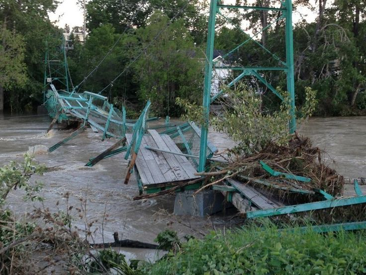 @Julie Forrest Van Rosendaal 2h Elbow Park swing bridge on Sifton Blvd #yycflood
