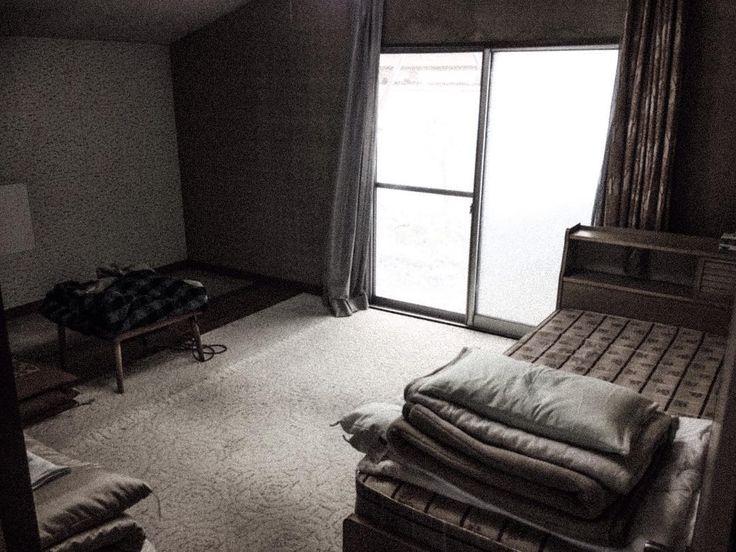まずはこの部屋をやろう空き家ですが生活感あります #リノベーション#ゲストハウス#DIY#会津#会津若松 by wttie.6