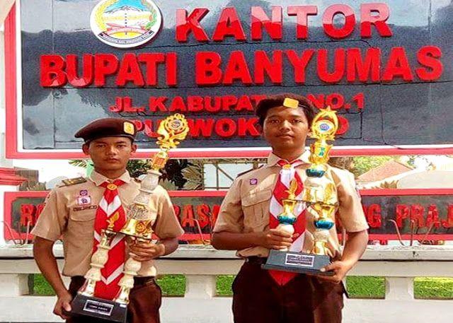 SMA Karya Bakti, Jatilawang, yang diwakili Febri Agung dan Tegar  Nugroho, berhasil memboyong piag...