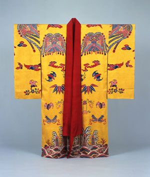 """Bingata: Colors and Shapes of the Ryukyu Dynasty"" presents 245 examples of vibrantly colored textiles and stencils produced in the Ryukyu Kingdom, which between the 14th and 19th centuries ruled over the area now known as Okinawa Prefecture. . . bingata (Ryukyuan traditional resist-dyed textiles), the mesh of cultures visible in these -these objects on display at the Suntory Museum of Art make a strong case for Japan's largely underestimated cultural diversity."""