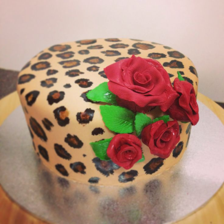 Best Cakes Macarons And Cupcakes Images On Pinterest - Rockabilly birthday cake