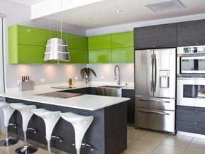 Gabinetes en PVC, conoce la nueva tendencia en cocinas ❤️ Los Gabinetes en PVC son duraderos y van a la perfección con las cocinas modernas. Esta nueva tendencia de gabinetes de cocina construidos en PVC está tomando auge debido a que posee grandes ventajas de uso. Además brinda un toque moderno y estilizado a la cocina. #decoraonline #decor #decoracion #interiordesign #homedecor #homeideas #puertorico #casas #houses #interiores #home #gabinetesenpvc #gabinetespvc #cocinasenpvc #pvckitchen