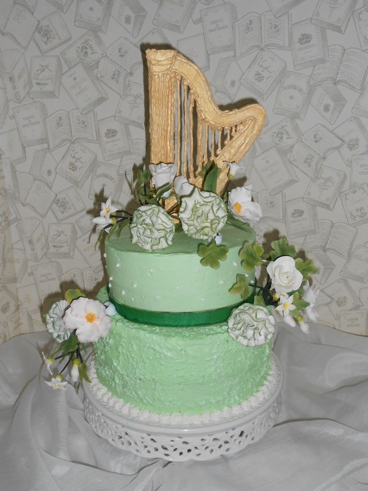 Wilton Method Course 4:Gum Paste Flowers After looking for a whole week on line and coming up empty handed I decided to create my own Celtic Harp to top my St.Patrick's Day Cake.