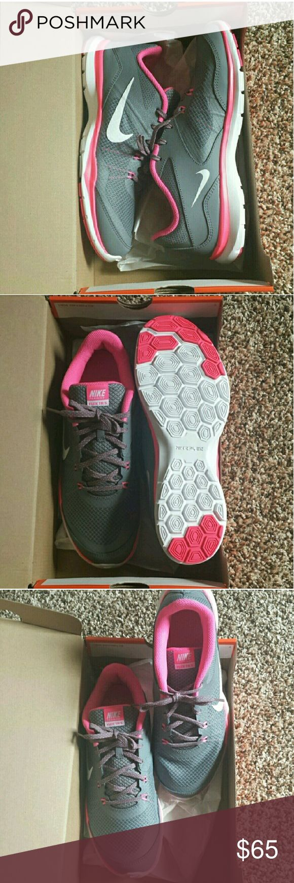 Nike Shoes Nike Flex Womens Sport Shoes. Size 10 Womens. Brand New!! NEVER WORN! Nke Shoes Athletic Shoes
