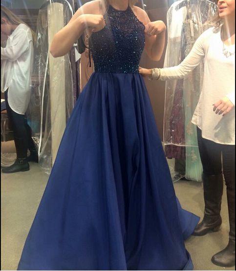 Die plus x award night dresses