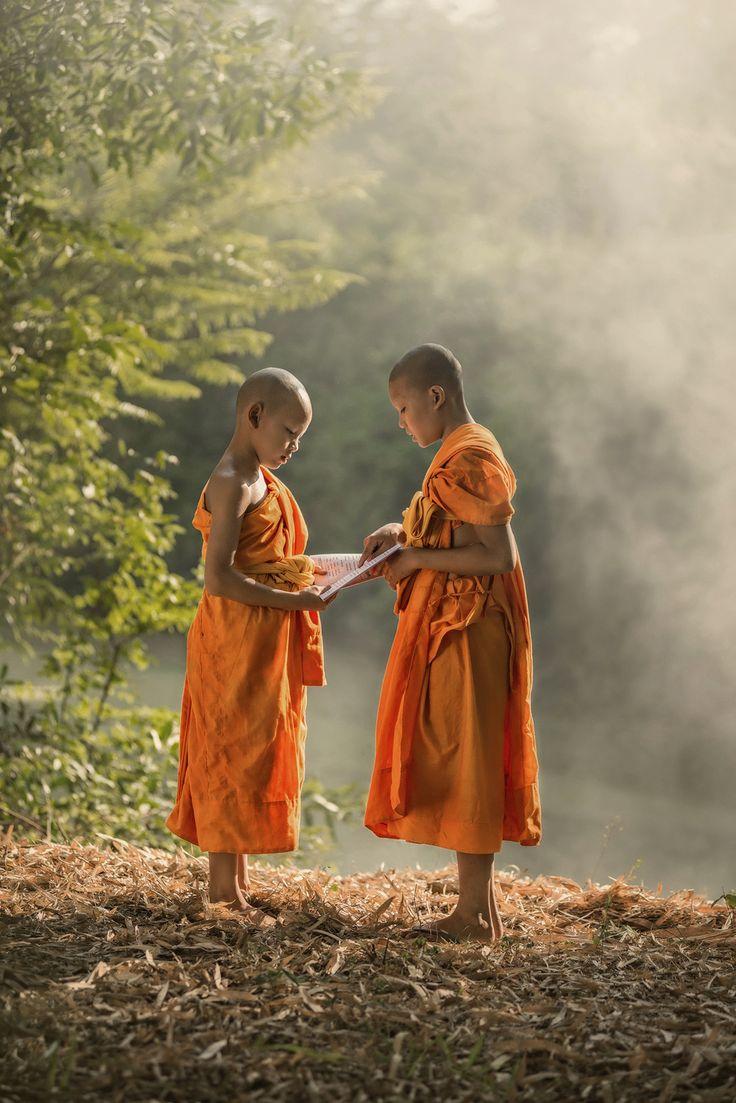 Monk Teaching by sarawut Intarob on 500px