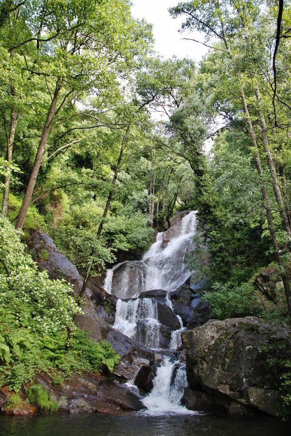 """Magnífica fotografía de una de las Cascadas de las Nogaledas tomada del Blog """"Guías Viajar"""""""