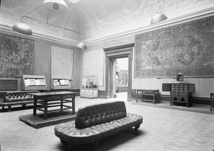 Sala Portugal no Oriente  Exposição de Arte Portuguesa realizada em Londres na Royal Academy of Arts, Outubro 1955-Fevereiro 1956.  [CFT003 008354.ic]