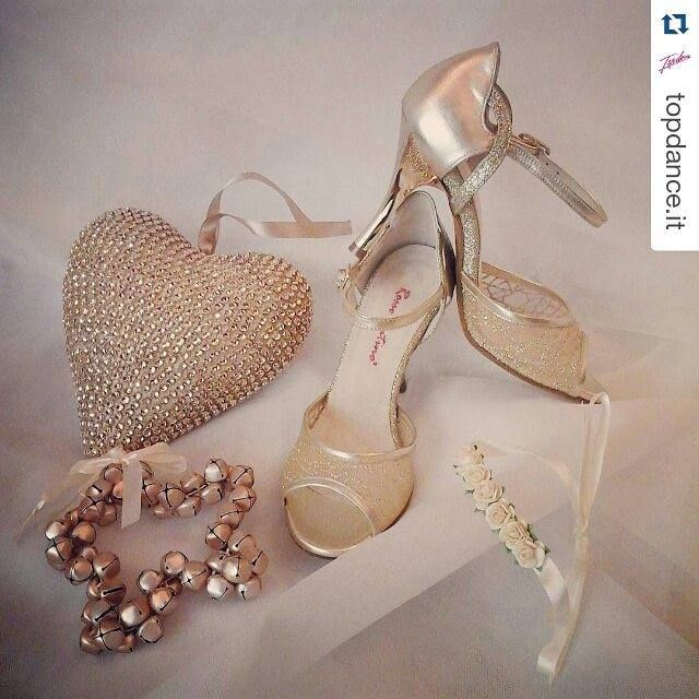 Rosso Latino by Topdance Prato http://ift.tt/1RRMtmx #RossoLatino #Topdance #danceshoes #shop