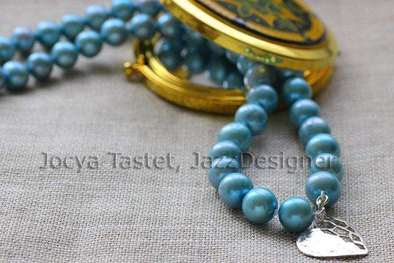 Retrouvez cet article dans ma boutique Etsy https://www.etsy.com/ca-fr/listing/255911714/quelque-chose-de-bleu-collier-de-perles