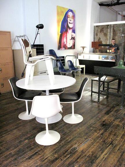 Du design, du retro et du kitsch / 4147, rue Ste-Catherine Est, Montréal