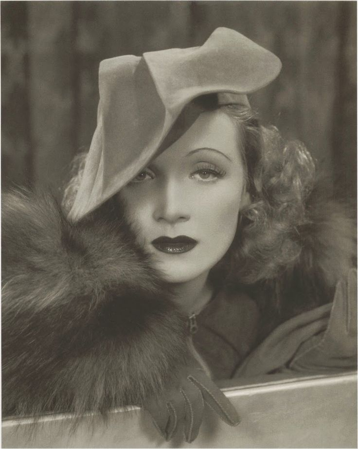 hat. VINTAGE PHOTOGRAPHY: Marlene Dietrich by James N. Doolittle c.1931