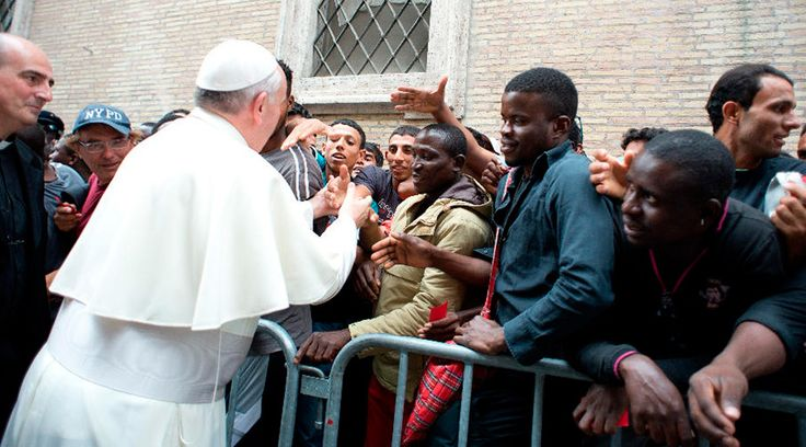 Papa Francisco se encontrará con refugiados acogidos en parroquias de Roma https://www.aciprensa.com/noticias/papa-francisco-se-encontrara-con-refugiados-acogidos-en-roma-84557