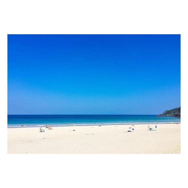 【nozasin】さんのInstagramをピンしています。 《- ぴーかん。夏。きた。 #夏きた #伊豆 #白浜 #海 #空 #青空 #ピーカン #やっぱり海が好き #今週もがんばろ #バキバキフォン #からのツルピカフォン #ノーガード #無防備なう #sea #beach #sky #clearwater #lovelyweather #sunshine #sunnyday #whitesandbeach #surfing #beautiful #summerdays》