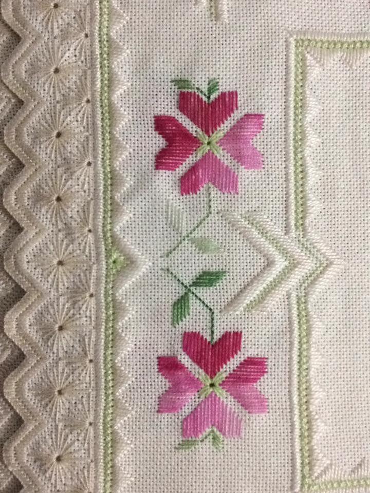 Flores - meio por Valnice Pereira
