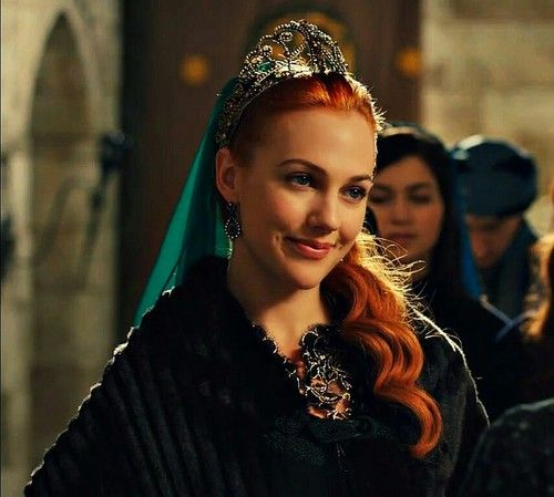THIS IS ONE OF MY FAVOURITES OF MERYEM AS HÜRREM SULTAN!!! :D