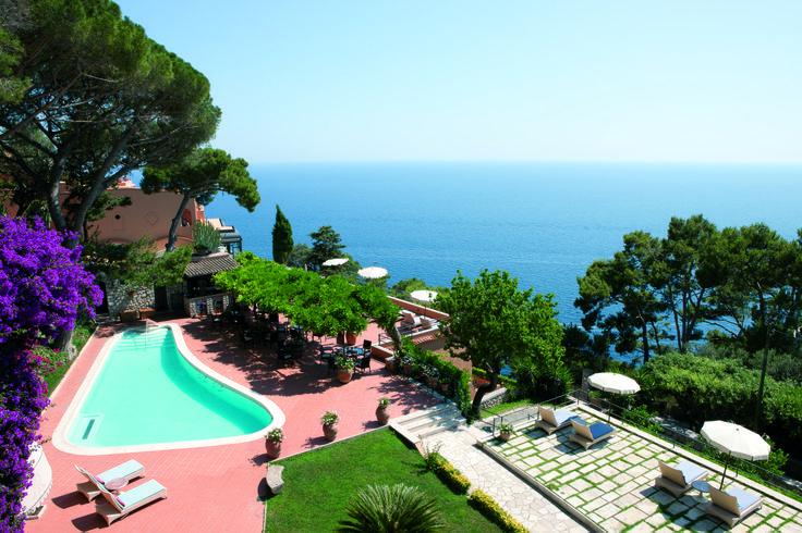Piscina riscaldata e solarium Hotel Punta Tragara Capri