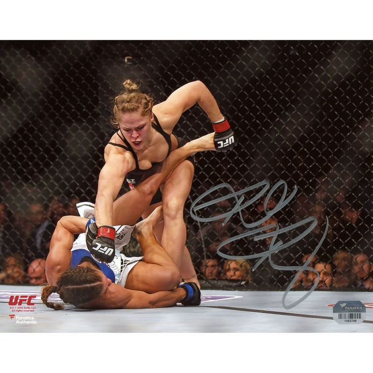 """Ronda Rousey Ultimate Fighting Championship Fanatics Authentic Autographed 8"""" x 10"""" Horizontal Punching Down Photograph"""