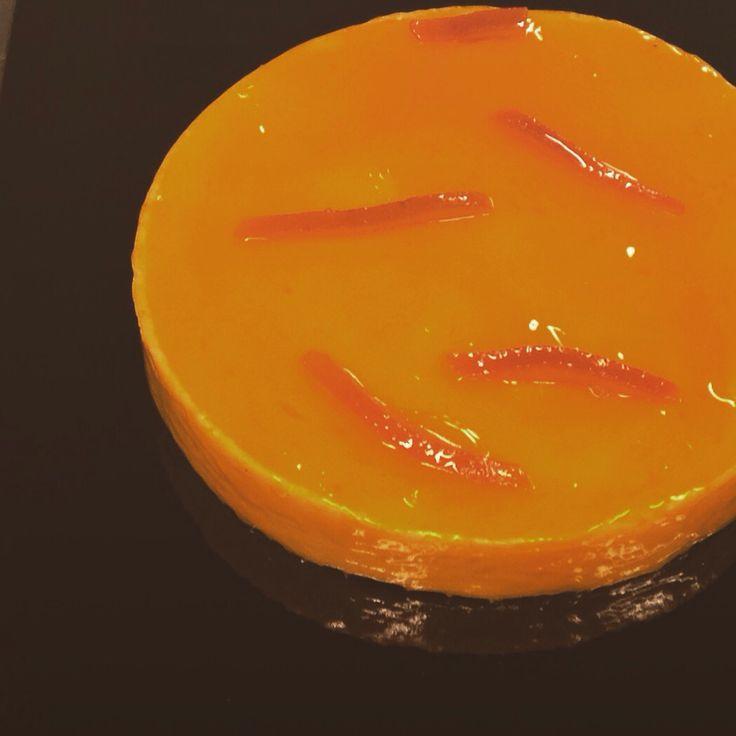 #apapastavrou #tarts #orange #mandarin #sweet #chefpatissier #pastry #shortcrust #modern  Orange and mandarin tart Base shortcrust ,orange and mandarin cream,glaze of orange liqueur by chef patissier Argiris Papastavrou