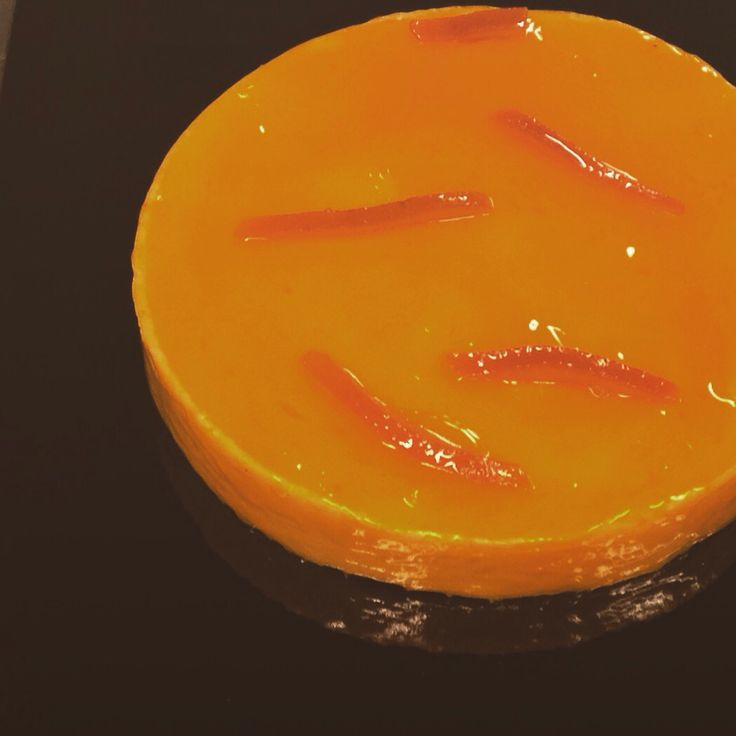 #apapastavrou #tarts #orange #mandarin #sweet #chefpatissier #pastry #shortcrust #modern  Orange and mandarin tart Base shortcrust ,orange and mandarin cream,glaze of orange liqueur by chef patissier Argiris Papastavrou