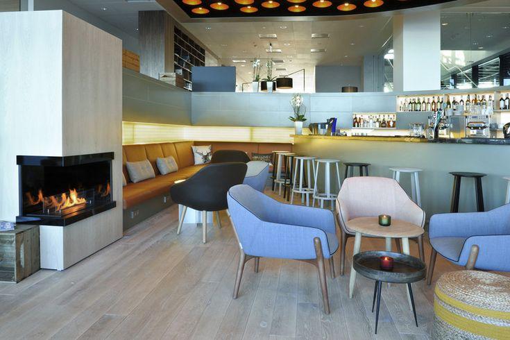 Enkele impressies van Courtyard Marriott Hotel Amsterdam Atlas Arena en Courtyard Marriott Hotel Gdynia Waterfront. Spoedig volgen er betere beelden van beide projecten. Naar ontwerp van Ila Architects heeft Lensvelt beide projecten ingevuld met producten uit haar eigen assortiment en met derde merken.