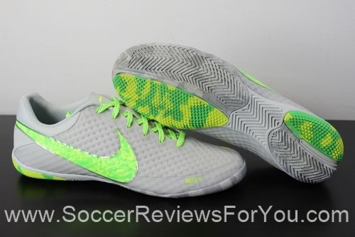 Nike Elastico Finale 2 Premium Review http://soccerreviewsforyou.com/2014/04/19/nike-elastico-finale-2-premium-review/