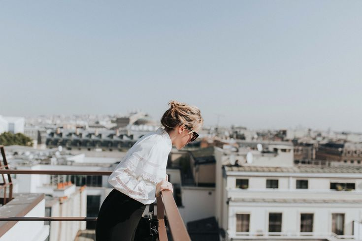 Photoshoot with the so stylish Parisian bloggers @FannyBF and @emiliebrunette | Mandarin Oriental Hotel, Paris | Anne Fontaine