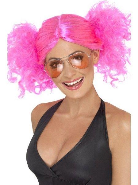 Pinkki kasari peruukki.