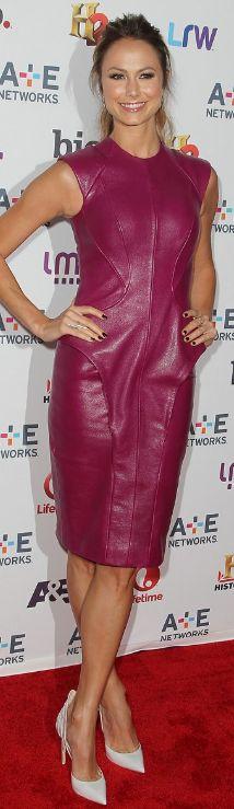 Stacy Keibler: Dress – Monique Lhuiller  Shoes – Alejandro Ingelmo  Jewelry – Jennifer Fisher