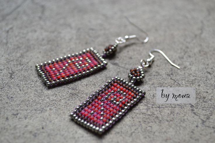 Boucles d'oreille pendantes ,rectangle en perles tissées : Boucles d'oreille par by-moua