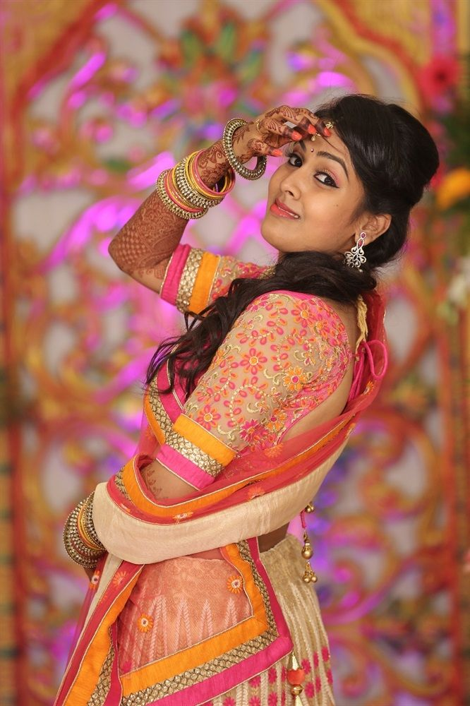 Find with us the Top 5 #bridalmakeupartist of #Chennai.#Tamilbrides #southIndianweddings