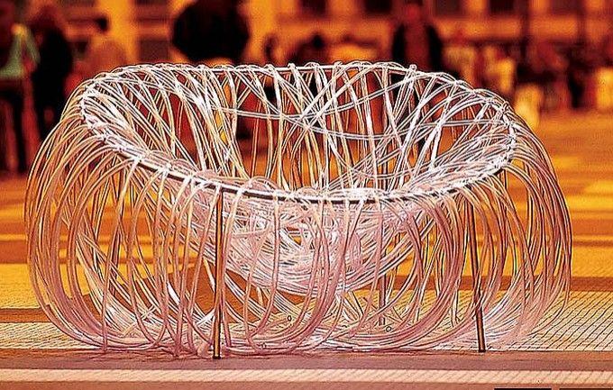 Mobiliário Contemporâneo Nacional Móvel: Cadeira Anêmona Designer(s): Irmãos Campana Ano: 2000 Características: design-arte; humor ou ironia;