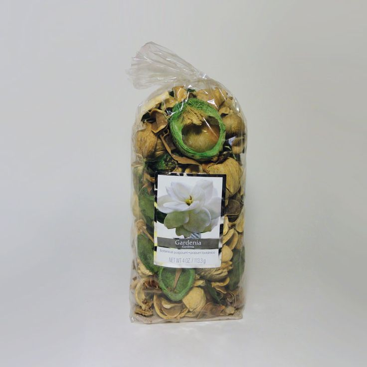 Bag of Gardenia Scented Botanical Potpourri - SBP421 - Bag of gardenia scented botanical potpourri. Use with our electric scented tart / candle warmer combos. Simple fill the bowl with the potpourri and let the aroma fill the air. Or add potpourri to the bowl, cover with water, and plug in the combo. FOR SALE