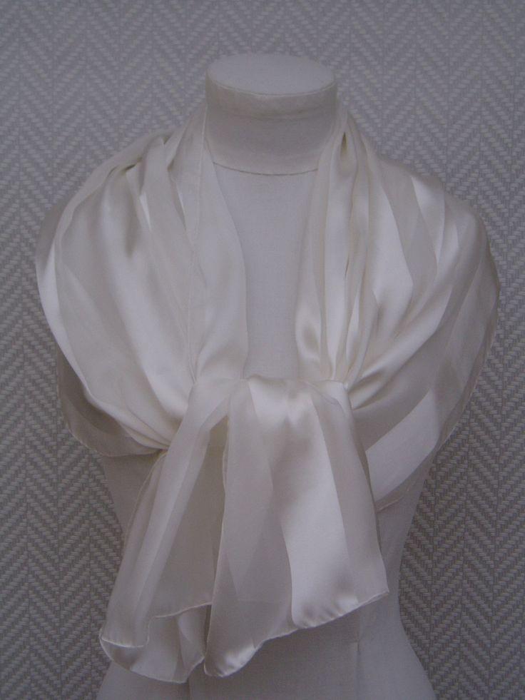 """Etole blanche en mousseline et satin de soie.""""Pour être la plus belle"""" : Echarpe, foulard, cravate par toutensoie"""