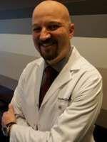 Prof. Dr. Özgür ÖZTÜRK İstanbul'da Psikiyatri alanında hastalarına sağlık hizmeti vermektedir.  Randevu Hattı 0 (850) 433 38 21