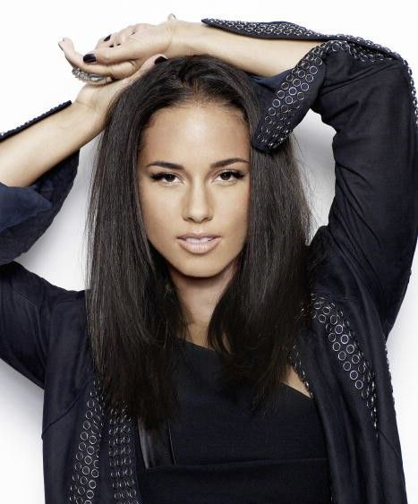 There never was nor will there ever be a time when this woman is not gorgeous. Alicia keys