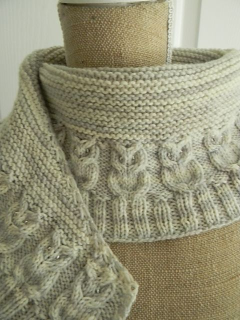1000+ ideas about Knit Scarves on Pinterest Hand knit scarf, Cowls and Knit...