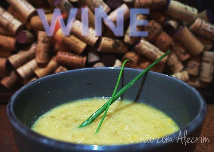 Sopa de Erva Doce e Maçã.., uma delícia em dias frios e quentes.