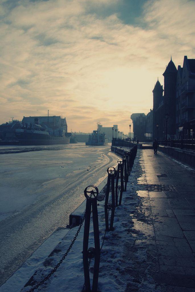 #Winter in #Gdansk, Poland (by che-lil) #ilovegdn